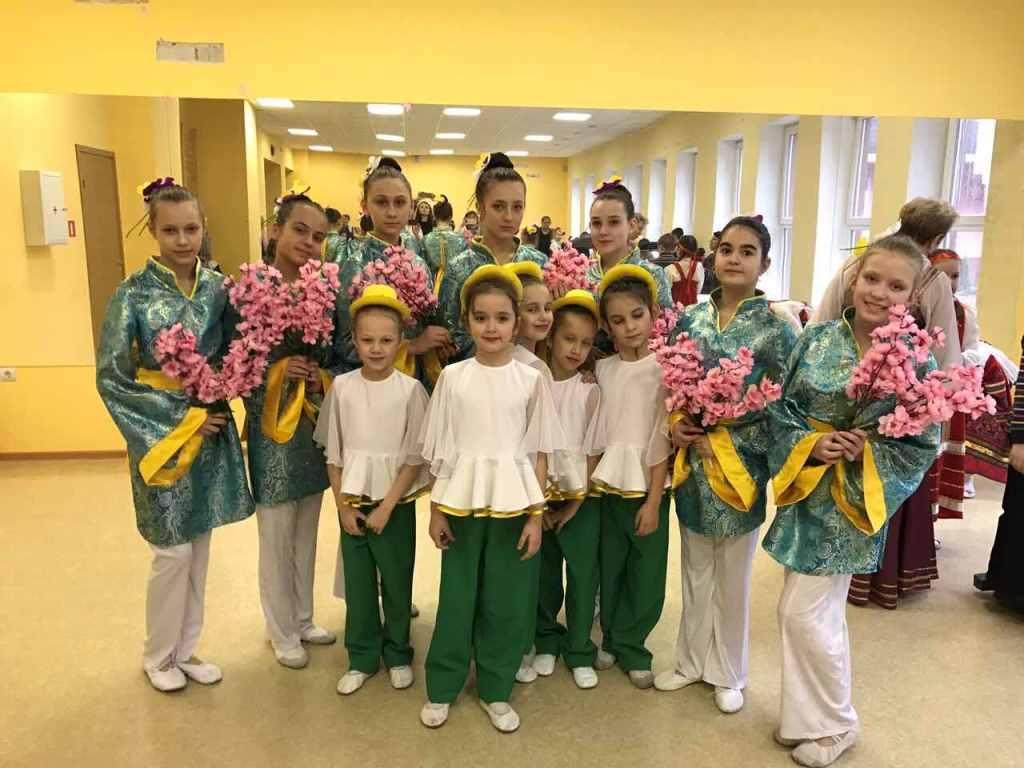 Хореографический ансамбль «Аквик» принял участие в праздничном концерте «Вам слава и честь, офицеры!»,