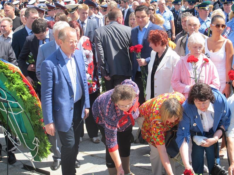 В Калининграде возложили цветы в память о событиях 22 июня 1945 года