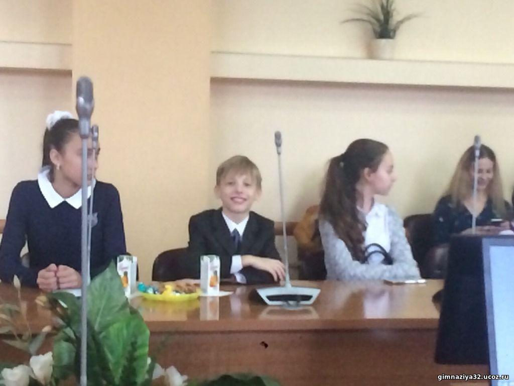 Учащийся гимназии Гущин А..- призер городского конкурса , посвященного празднованию Дня матери